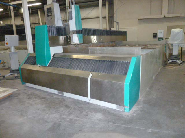 FLOW WMC-2 4020 Waterjet - Fabricating Machinery Inc